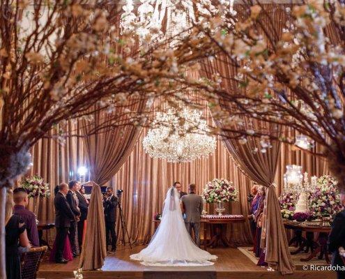 Conheça mais sobre essa tendência que está conquistando muitos casais aqui no Brasil: o Casamento Americano. Confira nossas dicas!