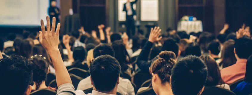 Nesse artigo vamos mostrar a importância do evento corporativo e do que você precisa saber para que o seu seja um grande sucesso.