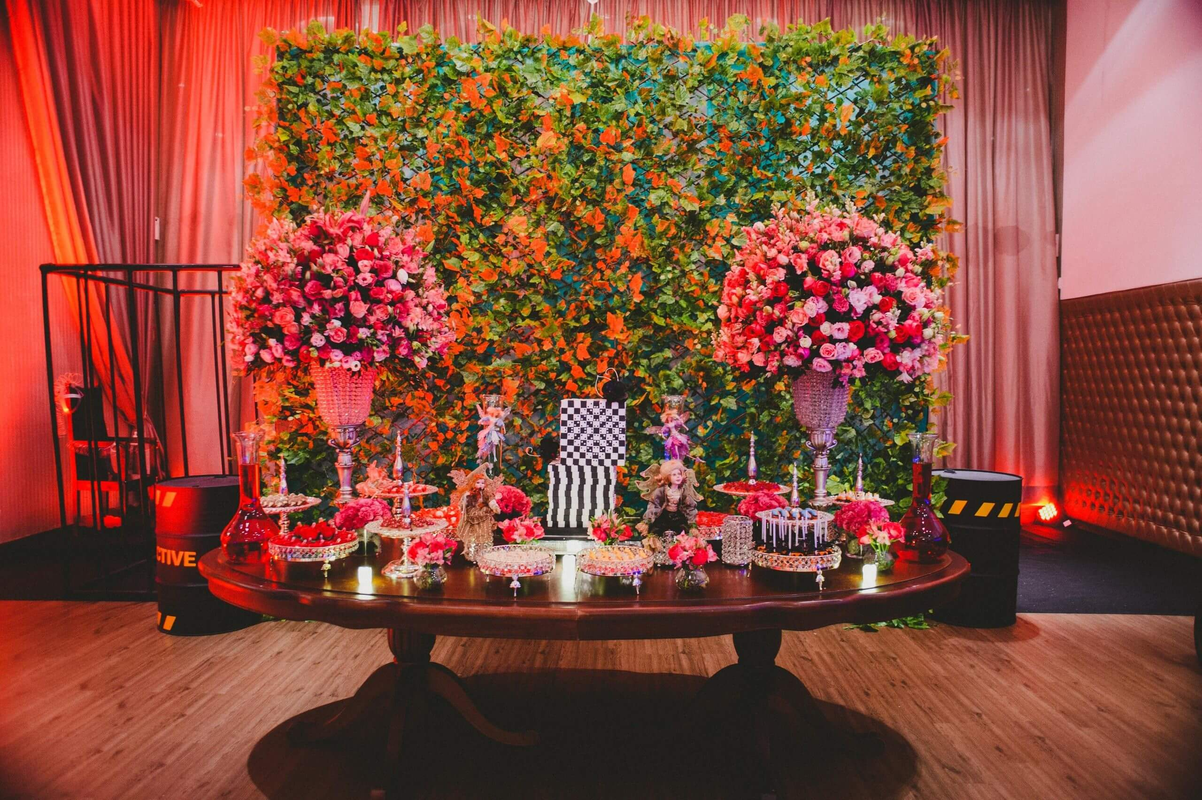 salão com decoração e cores