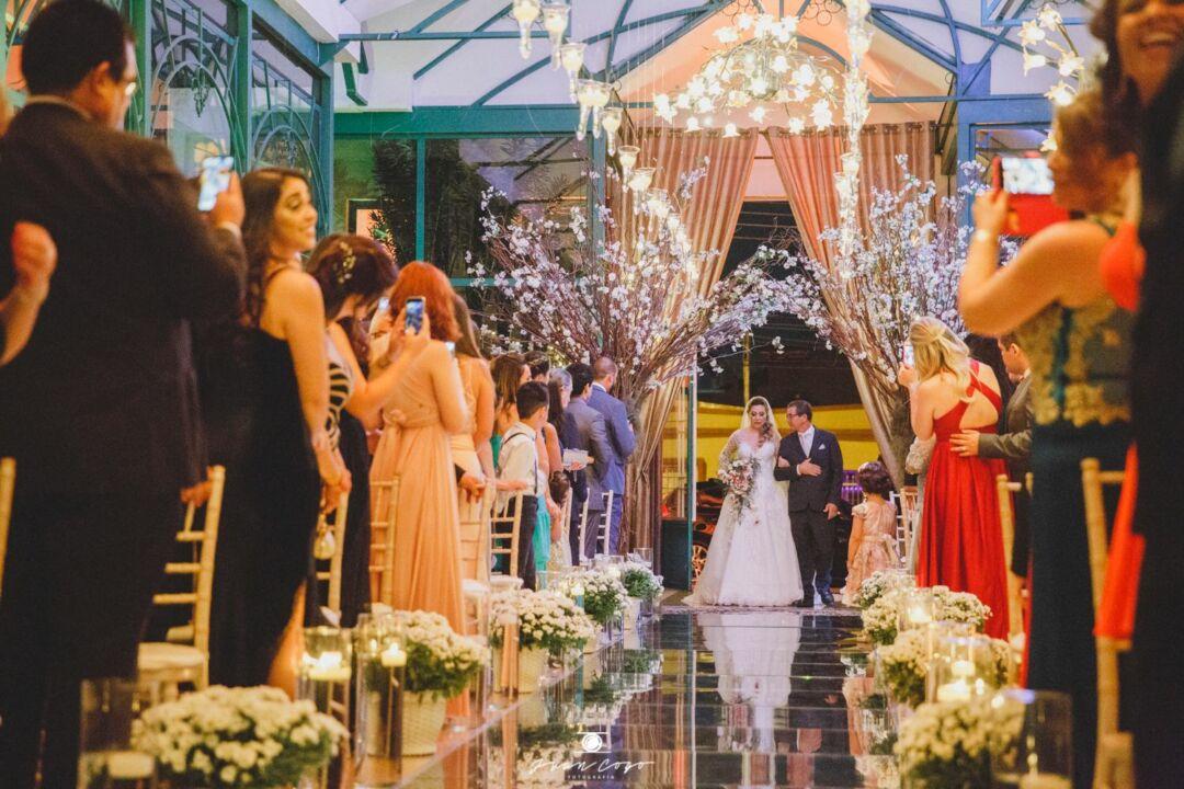 convite de casamento: acompanhantes